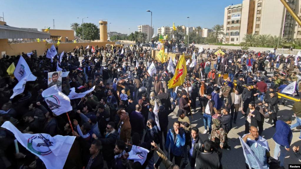 صورة العراق: انسحاب أنصار الحشد الشعبي من أمام السفارة الأمريكية في بغداد